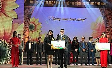 Cổng 1400 vinh dự nhận kỷ niệm chương ''Vì bệnh nhân ung thư''