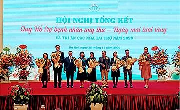Quỹ Ngày mai tươi sáng trao tặng Kỷ niệm chương cho Cổng 1400